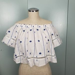 Embroidered peasant style top size M -R1